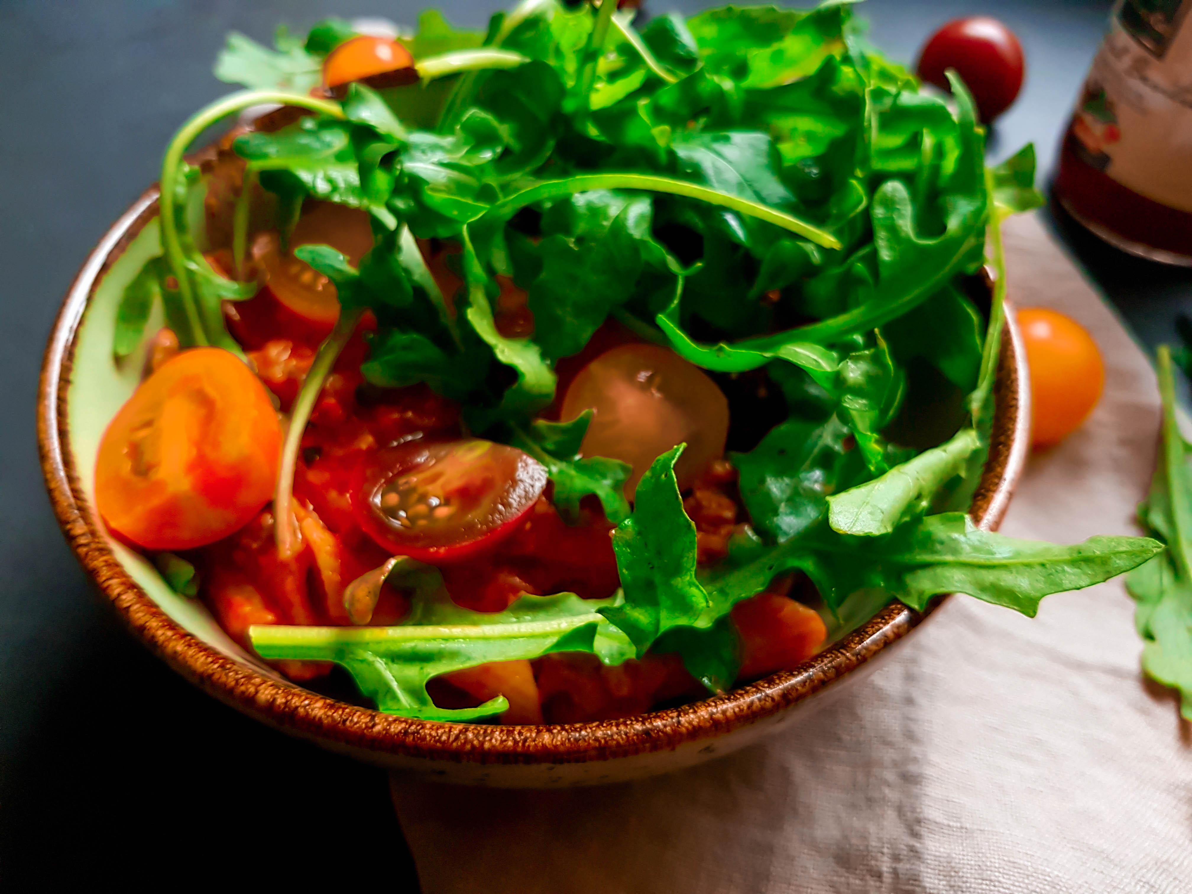 tomato creamy pasta with arugula